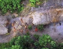 В джунглях Амазонки обнаружено неизвестное племя, которое никогда не контактировало с цивилизацией