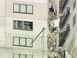 В центре Нью-Йорка на дом упал башенный кран