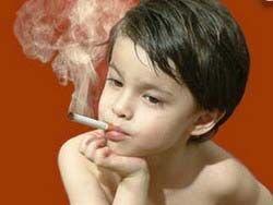 Откуда берутся курящие дети.Россияне забывают о родительском долге