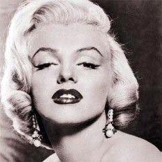 Партия блондинок установит в Москве памятник Мэрилин Монро