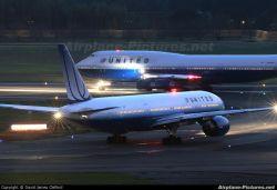United Airlines и US Airways отложили слияние
