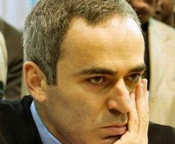 Гарри Каспаров выступил с яростными нападками на Гордона Брауна