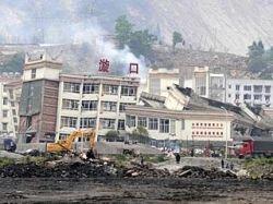 Двое китайцев провели под завалами 20 суток и остались живы