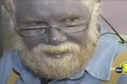 Знакомьтесь: Пол Карасон, живой серебряный человек из Орегона