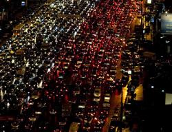 Трассам при выезде Москвы не хватает от 3 до 7 полос движения