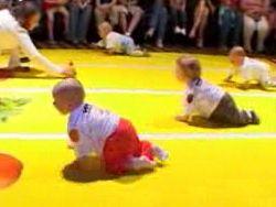 В Литве устроили соревнования на скорость среди грудных детей