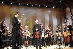 Перед выступлением оркестранты принимают допинг