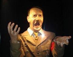 Появление Гитлера в музее мадам Тюссо вызвало резкую критику