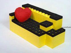 Мебель из гигантских деталей LEGO