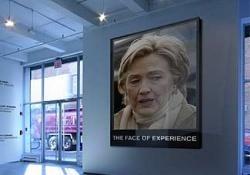 Автора выставки про убийство Обамы и Клинтон допросили спецслужбы