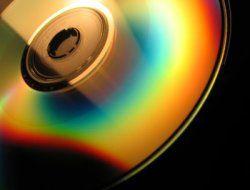 Американские супермаркеты Staples начнут торговать самоуничтожающимися DVD