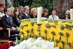 Похороны Ив Сен-Лорана в Париже