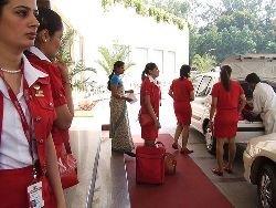 В Индии разгорается скандал из-за стюардесс