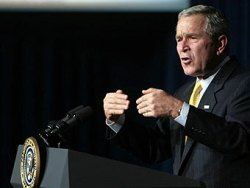 Джордж Буш продлил действие санкций в отношении властей Белоруссии