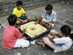 В Индии организовали сберкассу для бездомных детей