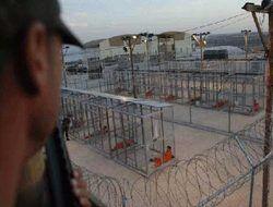 В Челябинске 10 заключенных перерезали себе вены