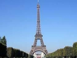 Франция призвала китайских туристов не бойкотировать страну