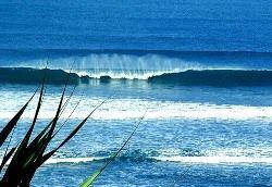 Возле побережья Индонезии пропали пять дайверов