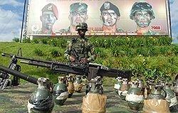 Уго Чавес заканчивает гражданскую войну в Колумбии
