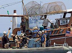С бурно растущим морским пиратством некому бороться