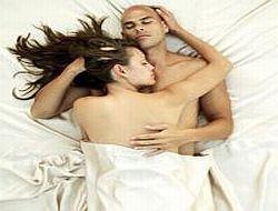 Счастливые в браке спят крепко
