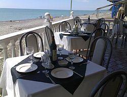 Лучшие рестораны находятся у моря