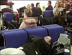 Более 15 часов 80 россиян не могут вылететь из Туниса