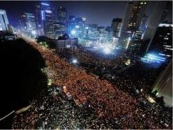 Южнокорейцы требуют отставки президента