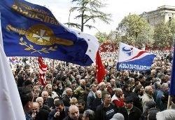 Грузинская оппозиция распадается на фракции