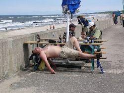 Роспотребнадзор призвал российских туристов поменьше выпивать на отдыхе