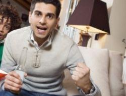 Как пережить просмотр футбольного матча с мужем-болельщиком?