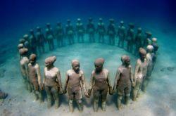 Первый в мире подводный парк скульптур