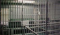 Лучше в тюрьму, чем к жене