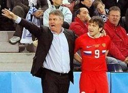 Гус Хиддинк нашел недостатки в игре сборной России с греками