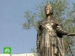 В Севастополе вопреки запрету властей открыт памятник Екатерине Великой