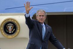 Президенту Джорджу Бушу вновь хотят объявить импичмент