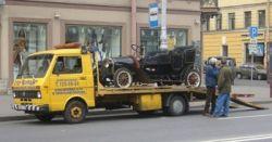 В Москве ежедневно эвакуируют 285 машин