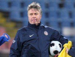 Гуус Хиддинк недоволен готовностью Андрея Аршавина к матчу со шведами