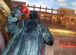 Американец требует убрать статую Ленина из казино
