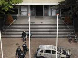 Голландская полиция освободила заложников в мэрии
