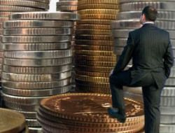 За полгода вкладчики отдали финансовым пирамидам 32 миллиарда рублей