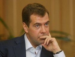 "Дмитрий Медведев готовит мягкую \""зачистку\"" силовиков"