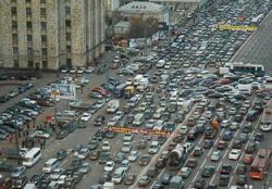 Столичные власти упорно бьются с проблемами дорог