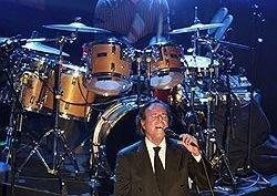 На концерте Хулио Иглесиаса в Москве не было звука