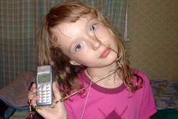У испанских детей развивается зависимость от мобильных телефонов