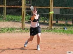 Определились полуфиналистки теннисного турнира в Истборне