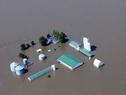 Сильнейшее за последние 15 лет наводнение в Америке