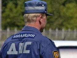 Пьяный водитель километр вез на крыше машины сбитого инспектора ДПС