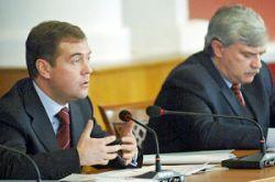 Дмитрий Медведев защитит текстильную промышленность