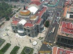 В ходе полицейского рейда в Мехико погибли люди